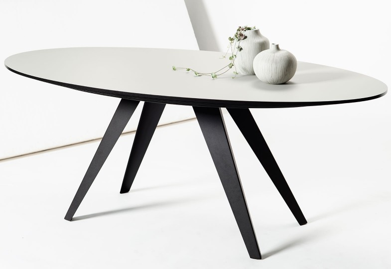 ovale-eettafel-belly-driekwart-pebble-deco